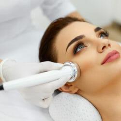 Kosmetologiset laitehoidot kasvoille